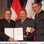 Verdienstmedaille des Landes Tirol für Sigurth Wachtler